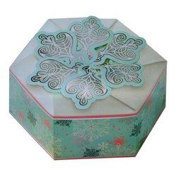 SET 3 HEXAGONAL CAKES WITH CHRISTMAS MOTIVES WILTON ( 415-5386 )